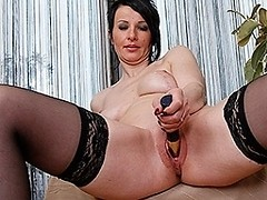 Hot MILF loves to work her wet pussy