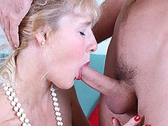 Horny blonde mature ladey from the UK loves sucking cock